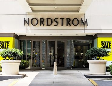 Picture of the Front Of Nordstrom in Nashville for the Anniversary Sale